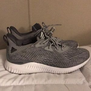 Adidas Women's Alphabounce tennis shoes